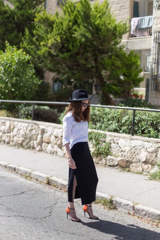 Black slit skirt_00005