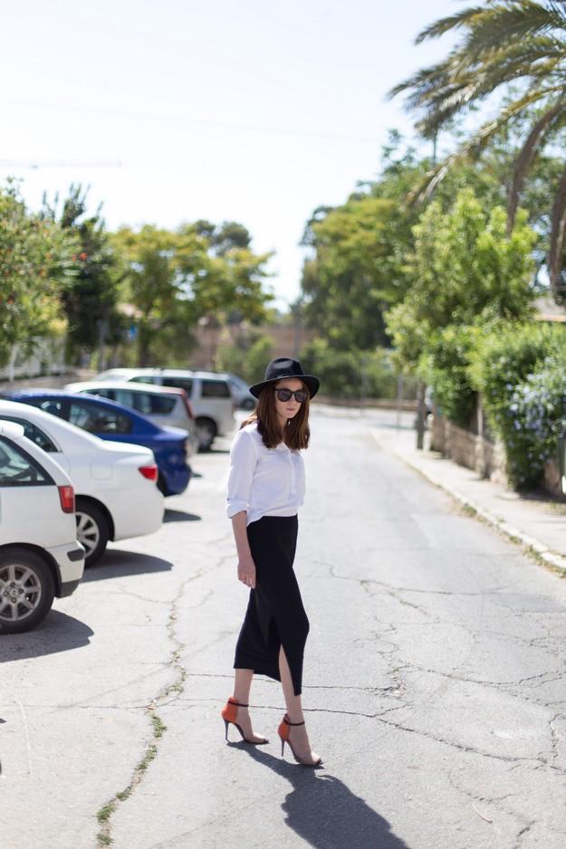 Black slit skirt_00012